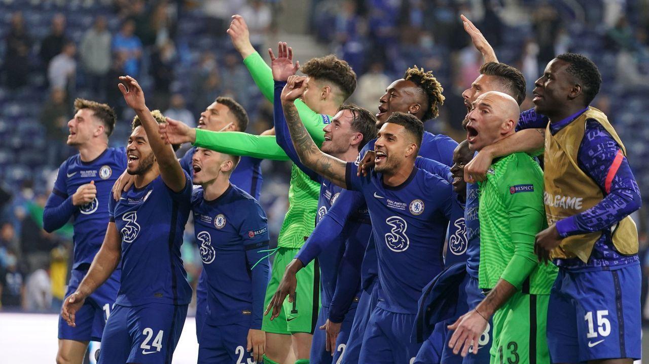 Aficionados de Chelsea, antes de la final de la Champions League