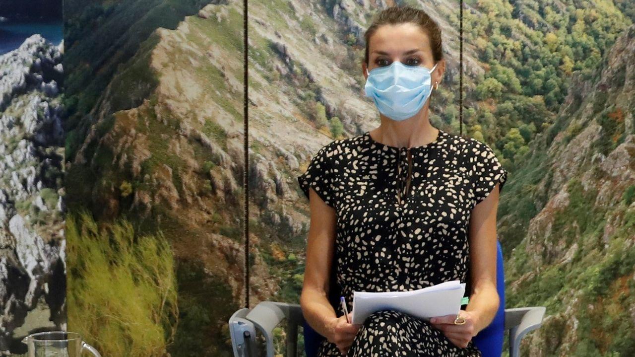 La reina Lerizia, durante una visita al Centro de Tratamiento de Residuos de Cogersa, en Gijón