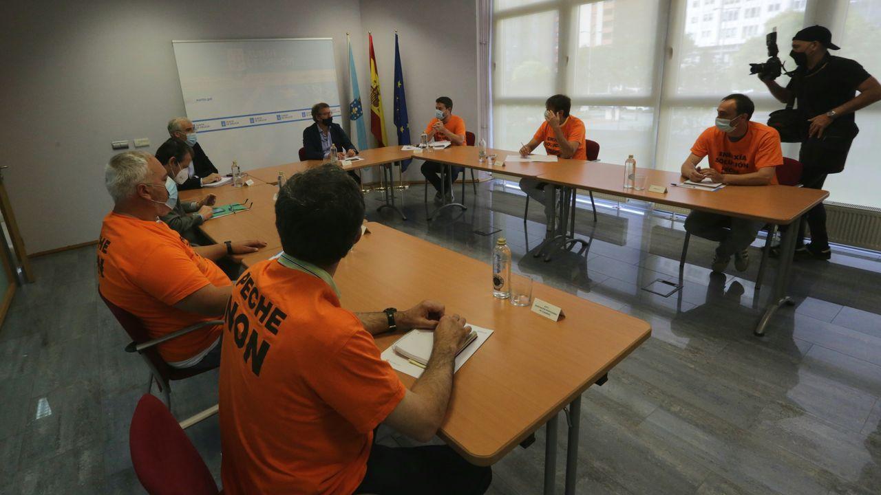 Visita de Francisco Conde a la empresa de inserción laborar Dill en Lugo.Fiejoo y Conde se reunieron con el comité de empresa de Alu Ibérica durante tres horas
