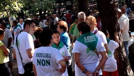 Los opositores a Porto Cabral se hicieron visibles en la fiesta más importante de la parroquia.
