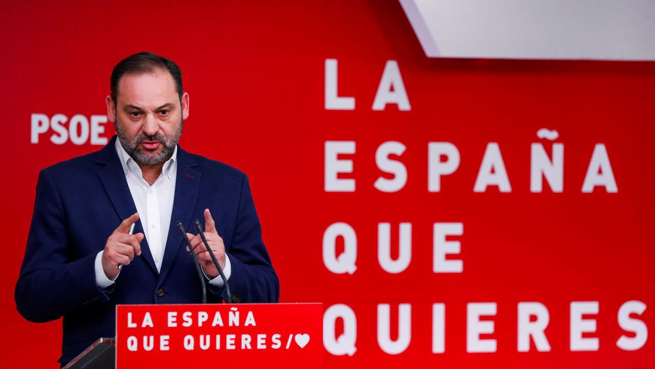 El líder del PP, Pablo Casado, en Oviedo donde presentó públicamente a la candidata popular a la Presidencia del Principado, Teresa Mallada, expresidenta de Hunosa