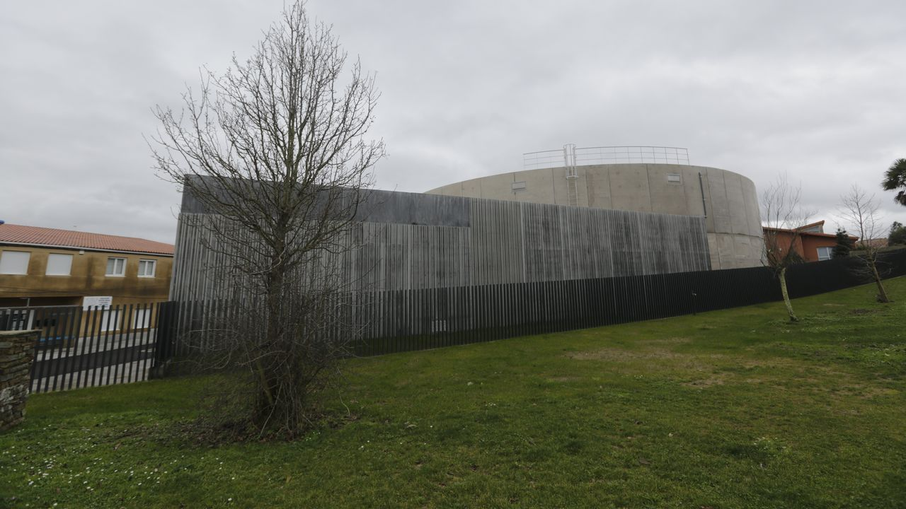 Imagen del depósito de agua de Almeiras, que ha construido Emalcsa