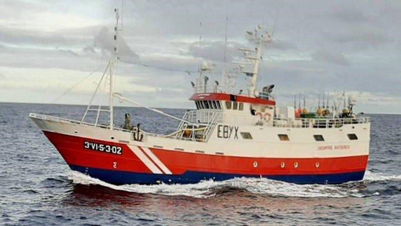 Barco en el que iba el tripulante que fue trasladado al Chuac