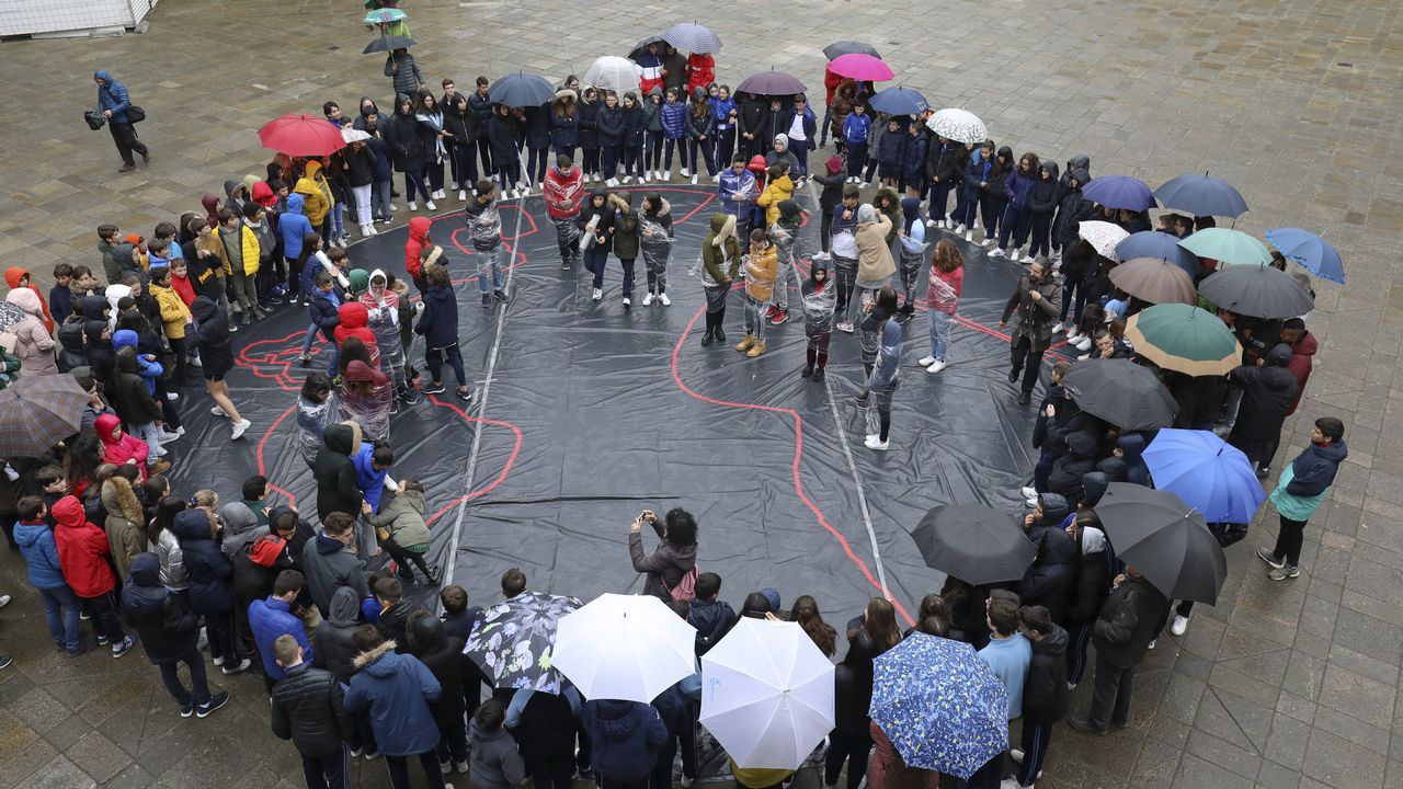Así fue la performance deManos Unidas en A Quintana.Hace años que Manos Unidas organiza en Lugo un rastrillo solidario