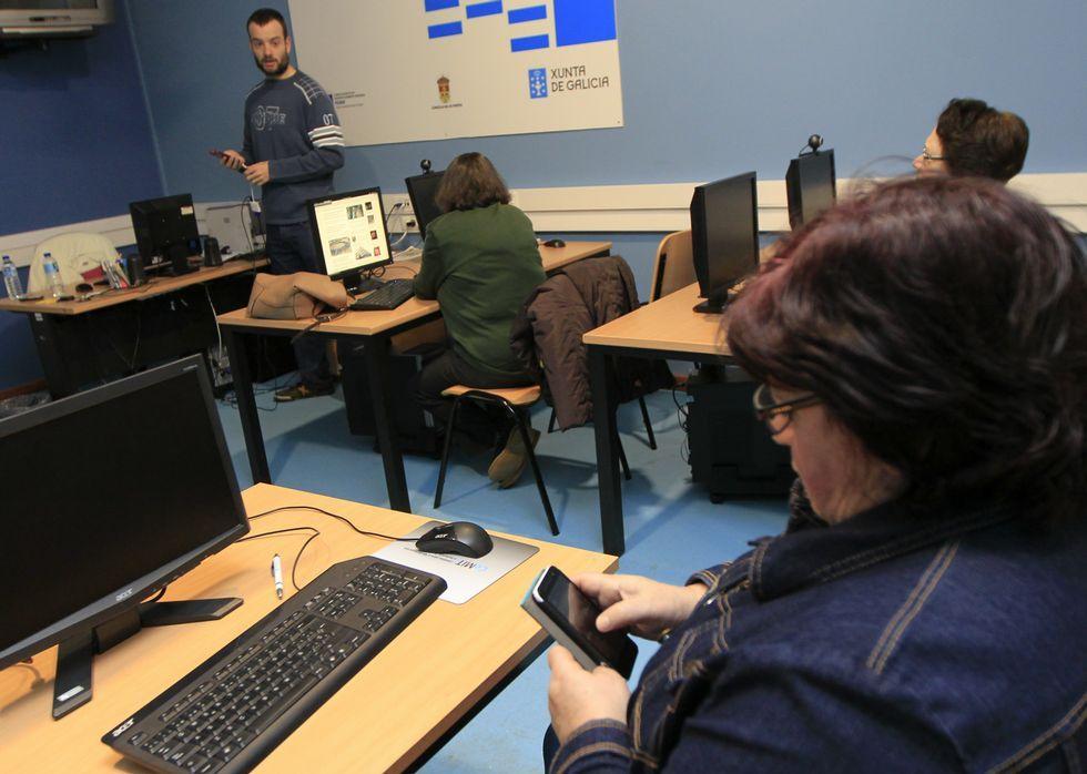 Pontevedra condena la violencia de género.El curso se desarrolló durante el mes de marzo en las instalaciones de la Casa Dopeso.