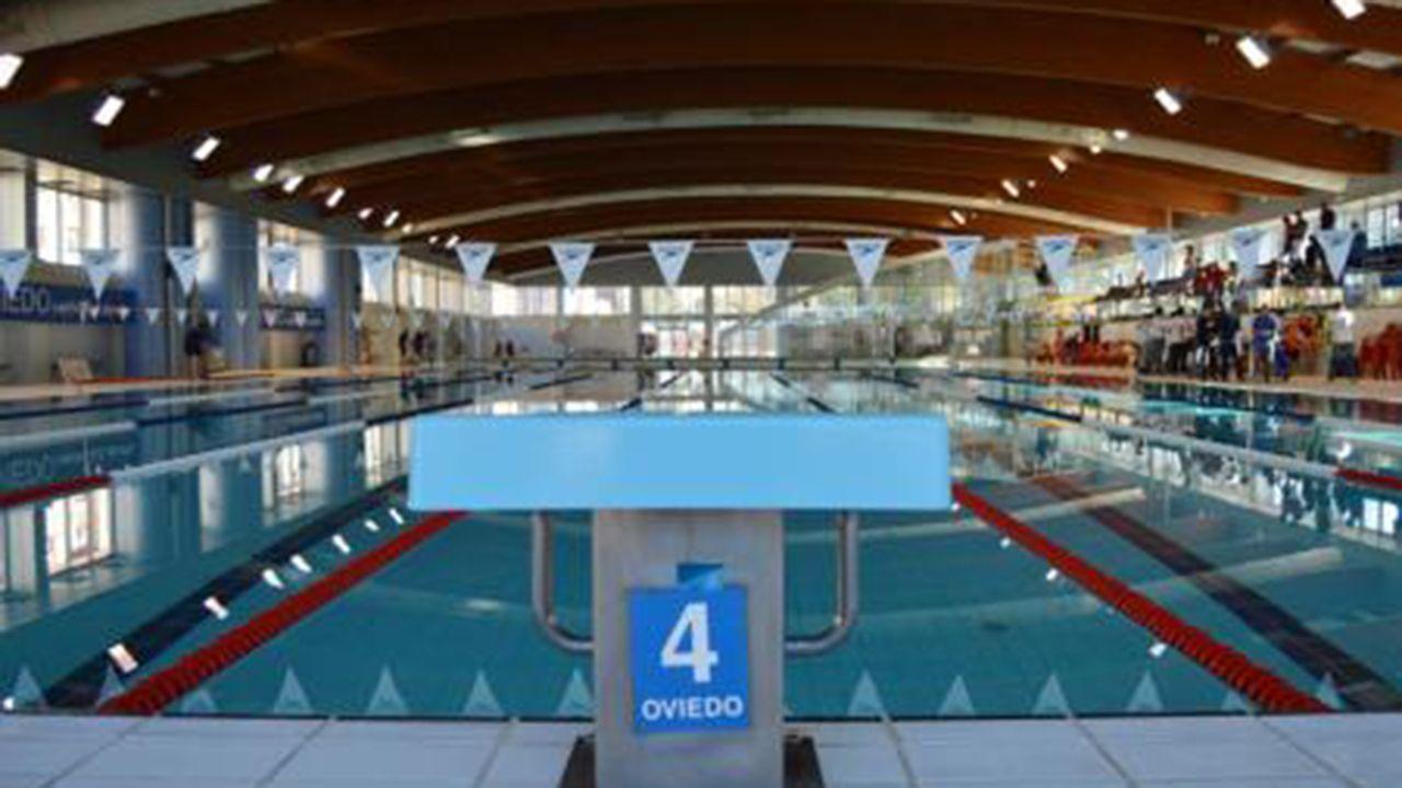Una de las piscinas municipales de Oviedo