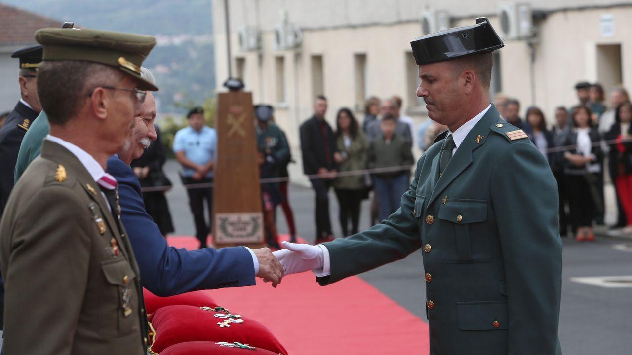ACTO INSTITUCIONAL CASTRENSE DEL DÍA DEL PILAR.La cruz de mérito blanco también la obtuvo el sargento Juan Carlos González Torrente