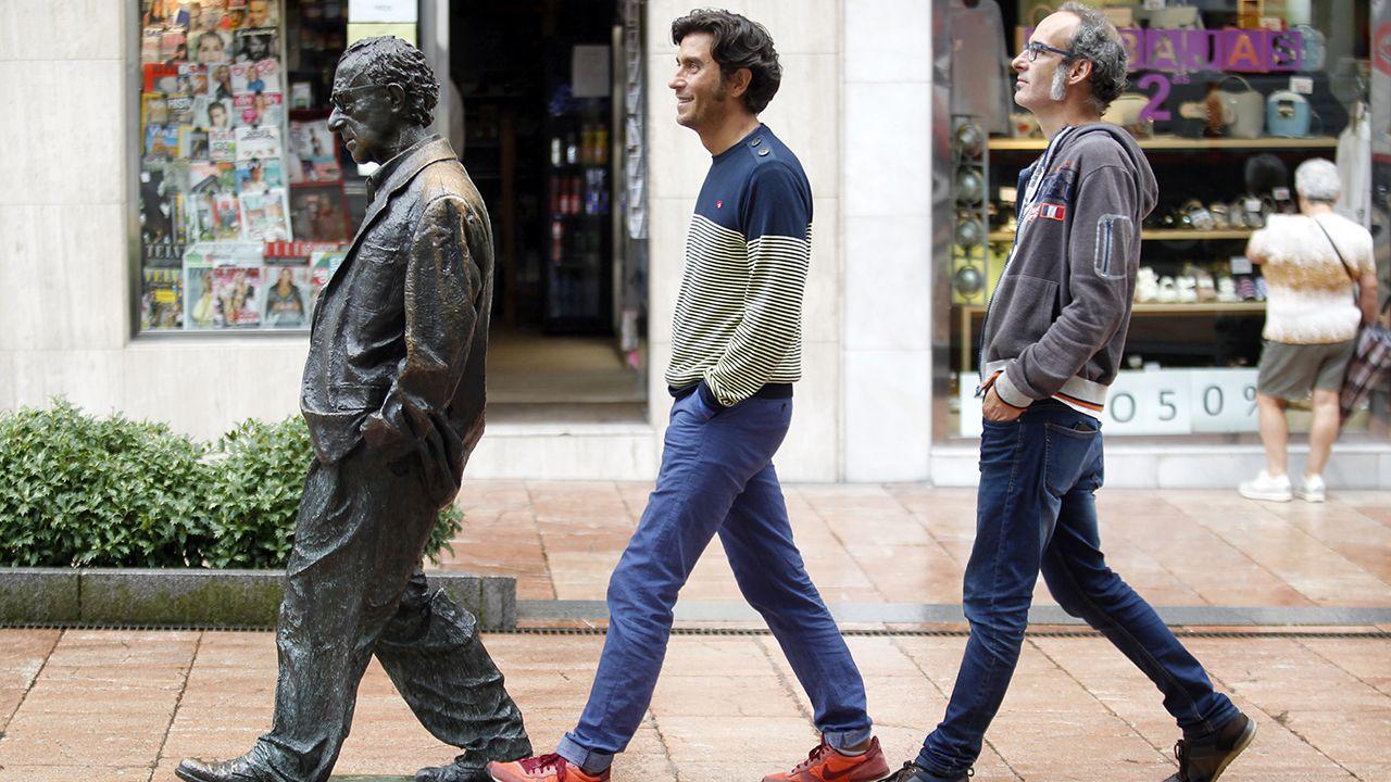 La bronca entre Gil y Caneda en la sede de la Liga.David Remartínez y Gonzalo Rubín junto a la estatua de Woody Alen