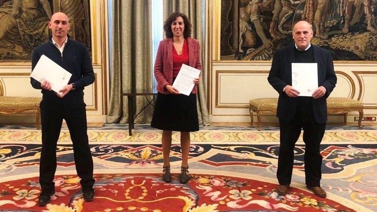 Luis Rubiales (Federación), Irene Lozano (CSD) y Javier Tegas (Liga) en una imagen de archivo