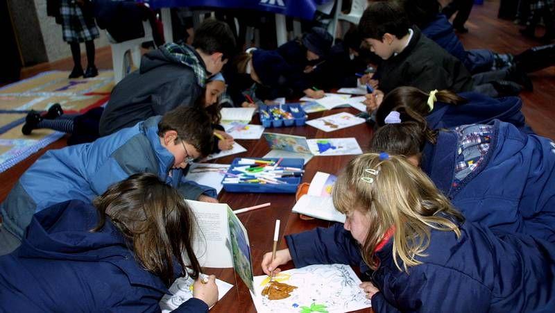 El colegio Peleteiro se apunta al lipdub.Los padres del centro destacan los gastos en libros y abogan por incrementar el préstamo.