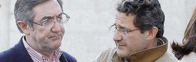 Foto Conde Roa.Conde Roa junto a Ángel Currás tras salir de la reunión