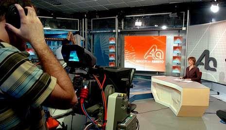 La jornada electoral en Cataluña, en imágenes.Aragón TV ha prescindido de su señal por satélite dentro de sus medidas de ajuste.
