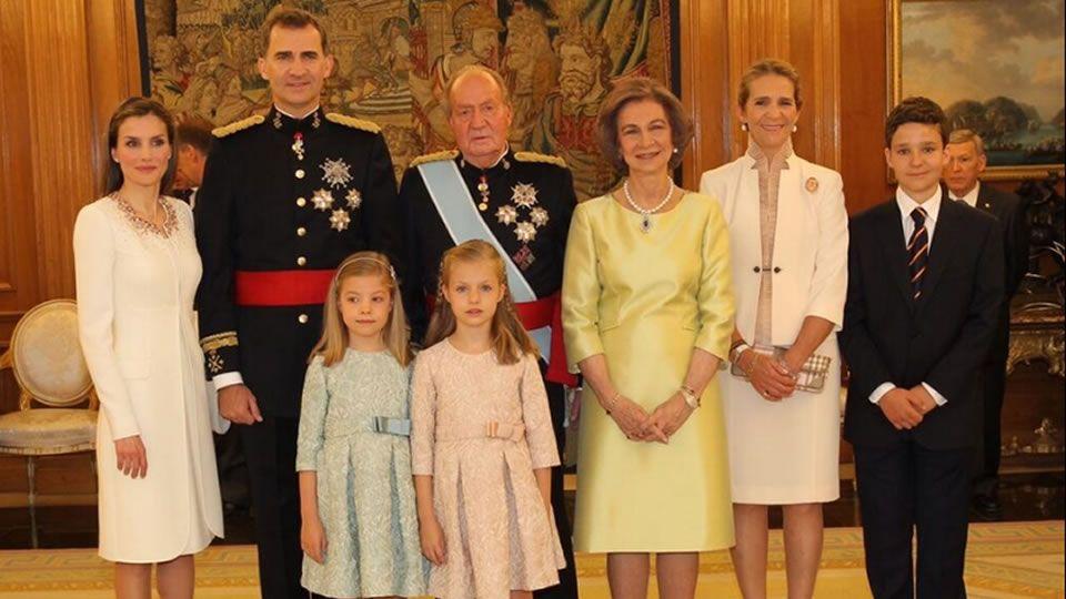 En la foto de familia está Elena y Froilán, pero no su hermana Victoria Federica