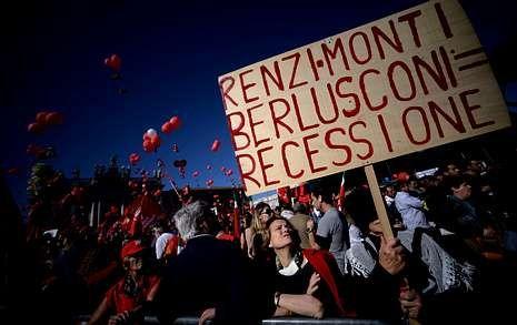 El papa y Letizia Ortiz, juntos en Roma.El mayor sindicato de Italia reunió a decenas de miles de personas ayer en Roma.