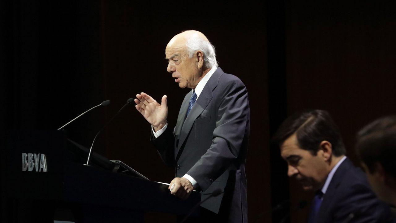 Rato carga contra De Guindos.Carlos Torres, presidente del BBVA desde enero, y Onur Genç, que lo sustituirá como consejero delegado del grupo