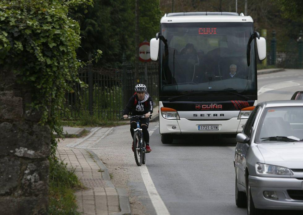 El paseo evitaría a los ciclistas usar la peligrosa carretera interior.