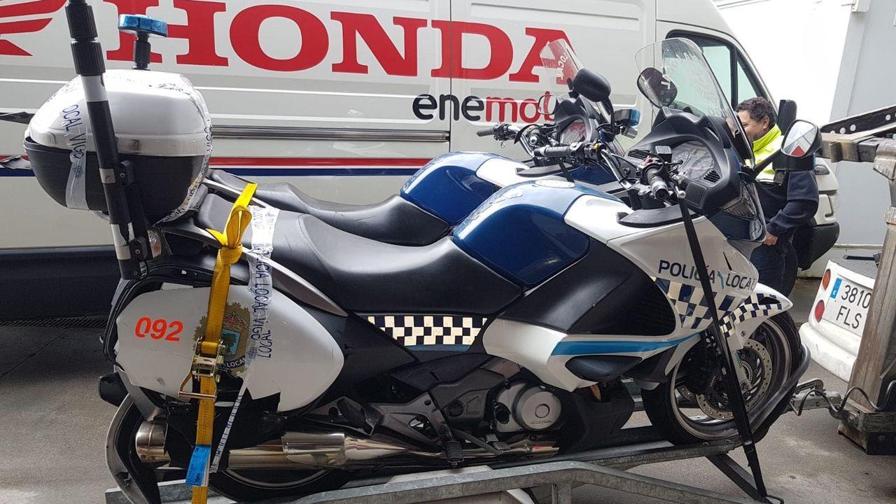 hi mobility motos gijon sharing motosharing.Instante del atropello en Oviedo de un vehículo a un motorista en un paso de cebra