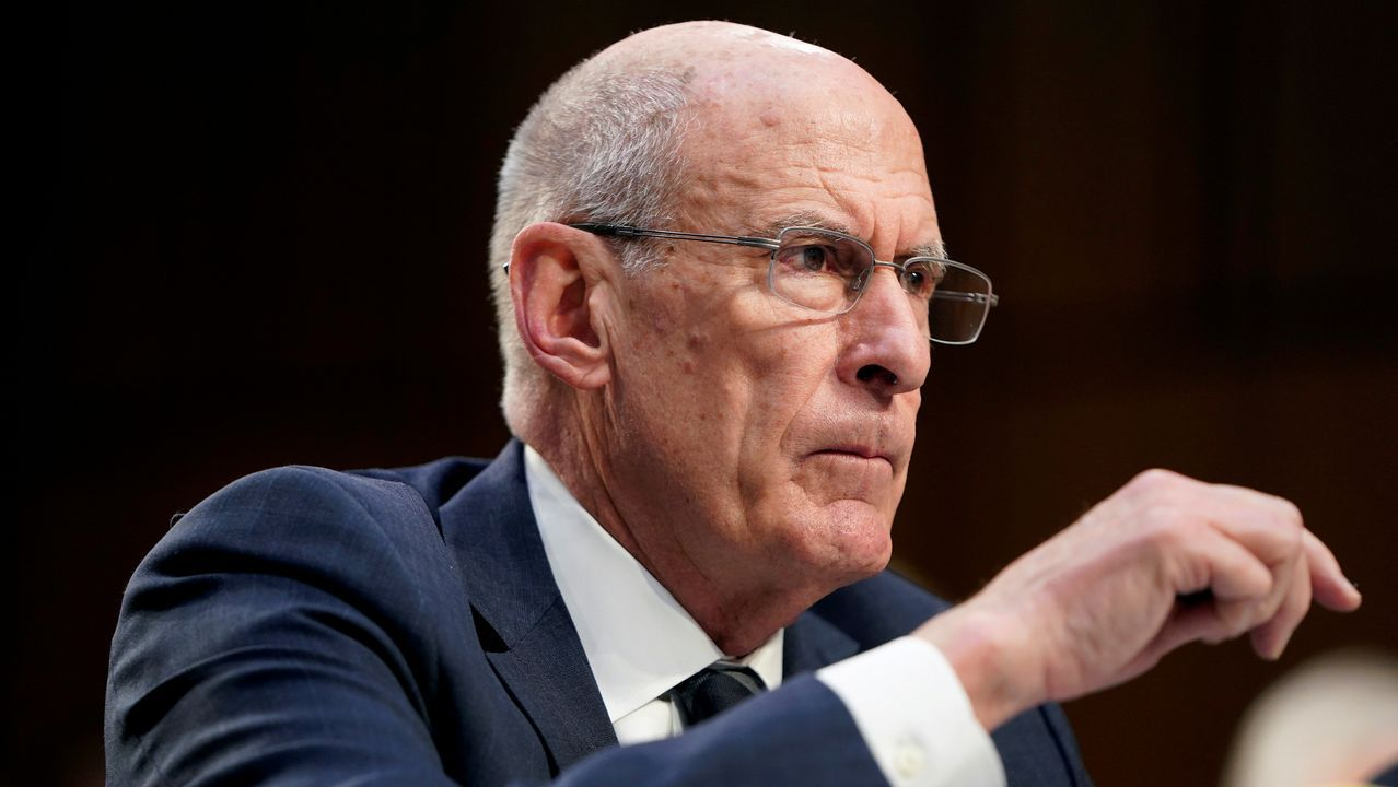 Dan Coats, exdirector de Inteligencia Nacional de Estados Unidos