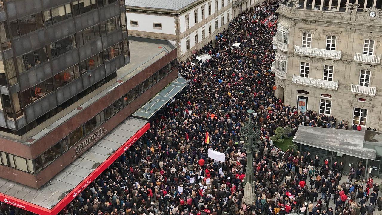 Obligaban a seis rumanas prostituirse 11 horas al día.Carril de tren de Arcelor, en Veriña