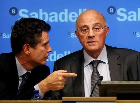 Jaume Guardiola y José Oliu, consejero delegado y presidente del Banco Sabadell.