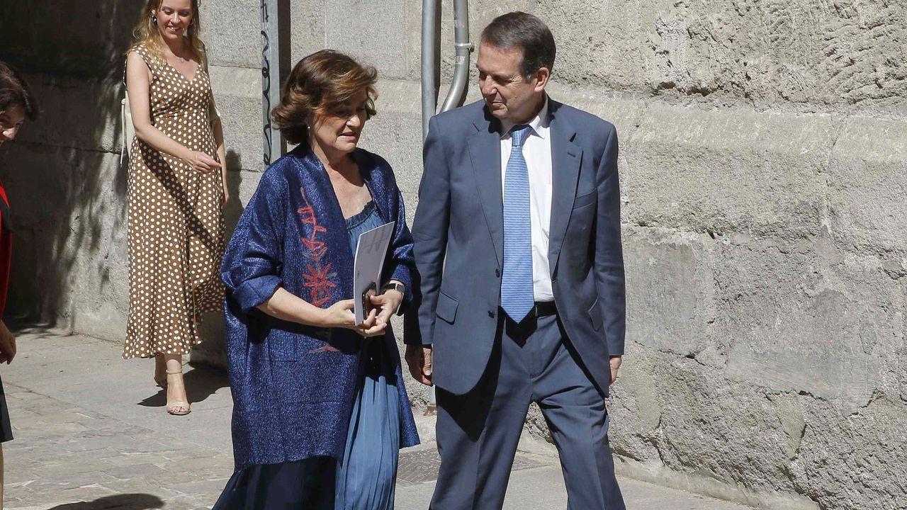 La gira de los ministros tras la investidura fallida.Abel Caballero y Carmen Calvo, ayer, en Madrid