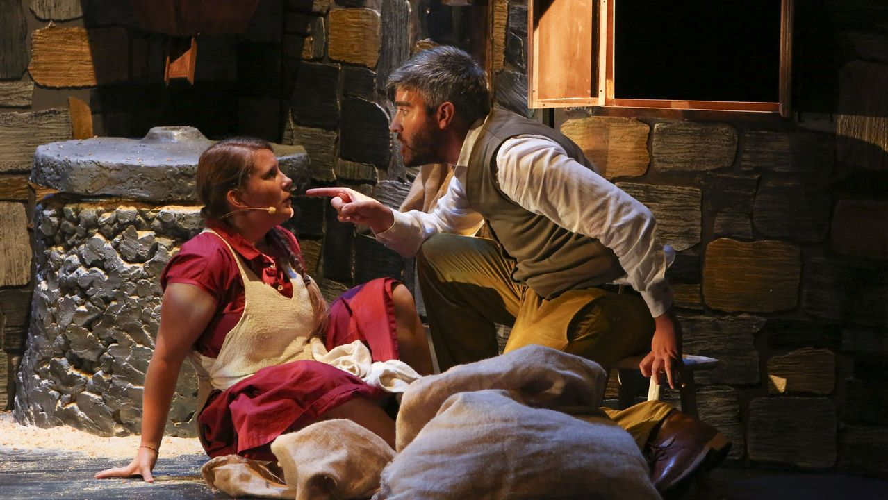 El 16 de septiembre la compañía carballesa Galeatro estrenaba «Muiñada», destinada a un público infantil.