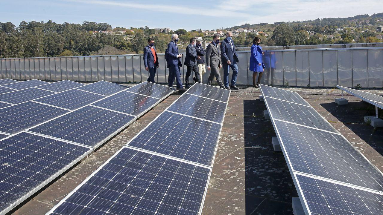 Los paneles fotovoltaicos instalados en las facultades de Ciencias Sociais y de Educación e do Deporte, en el campus de Pontevedra