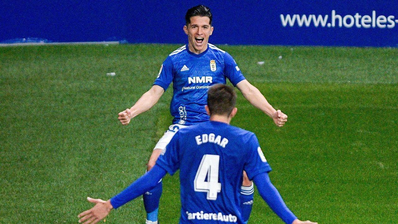 gol Tejera Real Oviedo Sporting derbi asturiano Carlos Tartiere.Nieto y Edgar celebran el 3-0 del Oviedo al Castellón
