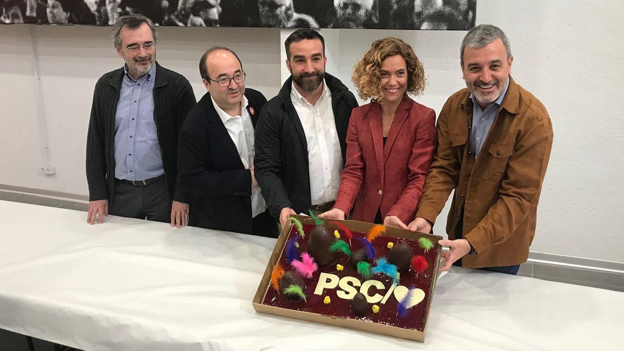 Gritos de fuera y aplausos para recibir en el hemiciclo a los políticos presos.Manuel Cruz, a la izquierda, junto a Miquel Iceta, Francisco Polo, Meritxell Batet y Jaume Collboni (PSC)