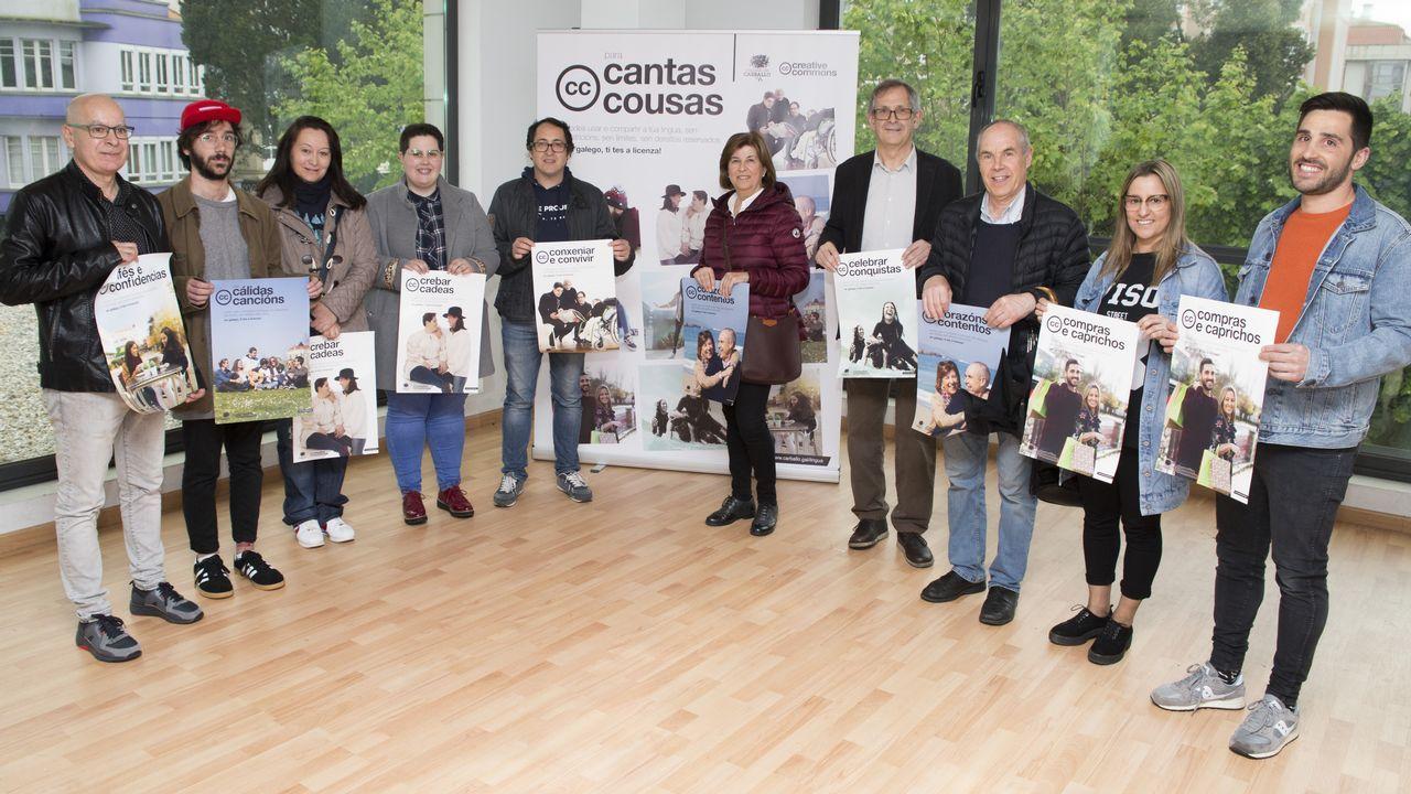 Así foi a entrega de premios dos Contos de Primavera: ¡as imaxes!.Mural de Lula Goce en la calle Iglesia