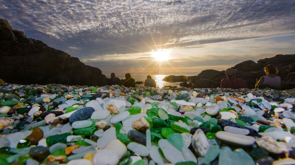 Puesta de sol en la Praia dos Cristais (Laxe)