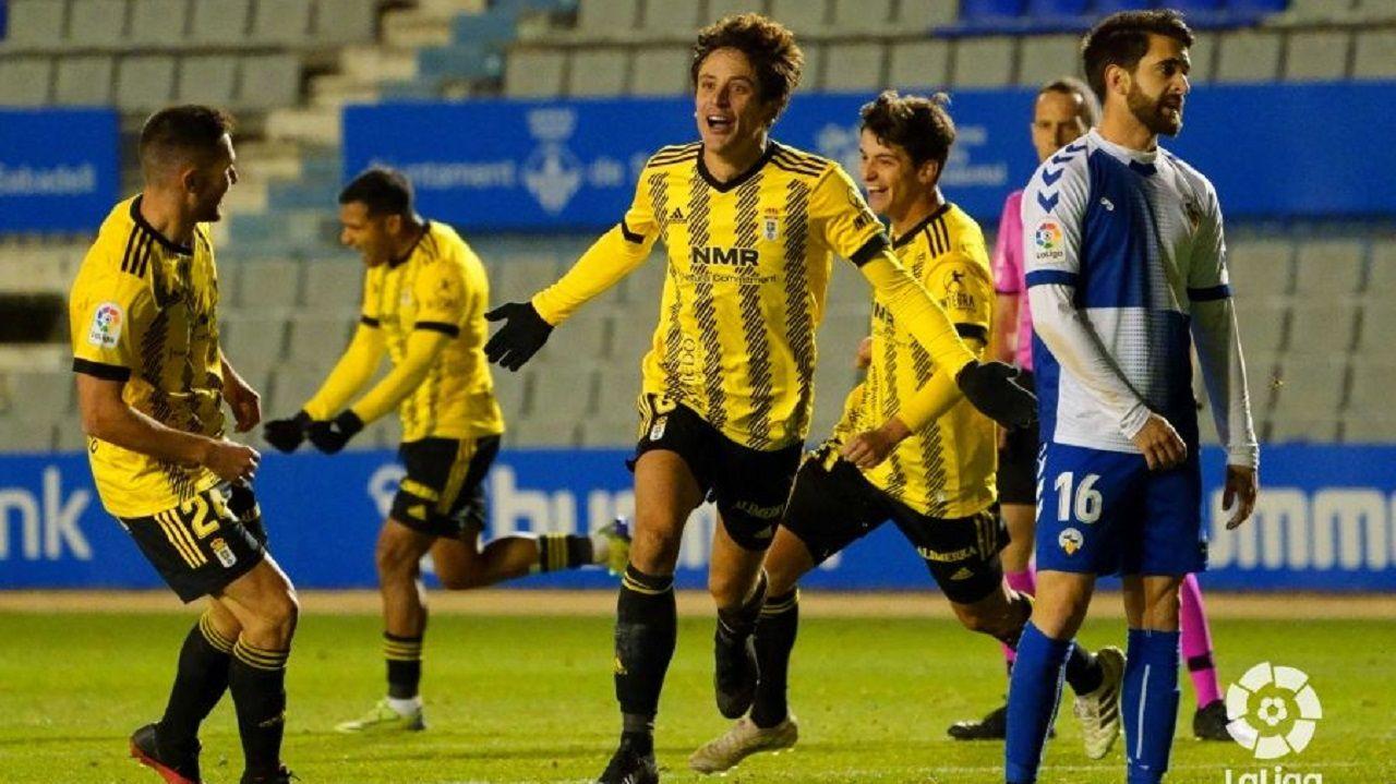 Sangalli celebra su gol al Sabadell