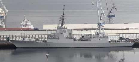 Navantia fabricó en el astillero ferrolano las fragatas más modernas, que tienen su base en el Arsenal.