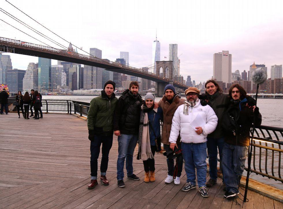 El equipo vigués, durante la parte del rodaje que tuvo lugar en la ciudad de Nueva York.