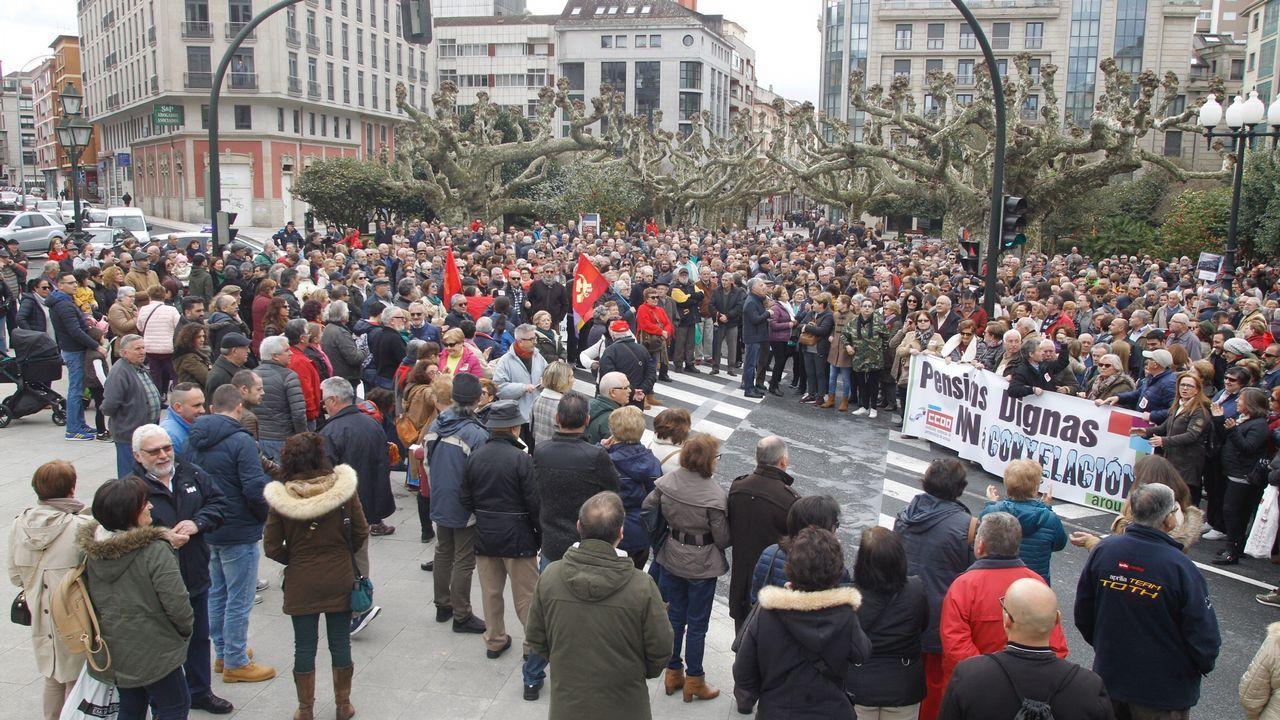Cifuentes: «Mi master es real y legal».Rajoy y Cristina Cifuentes, en la convención del PP