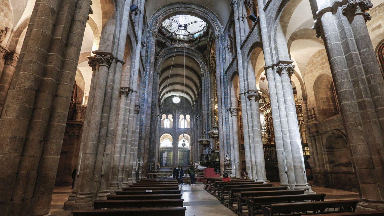 Vestimenta para unha viaxe no tempo.La Catedral acogerá un concierto de órgano