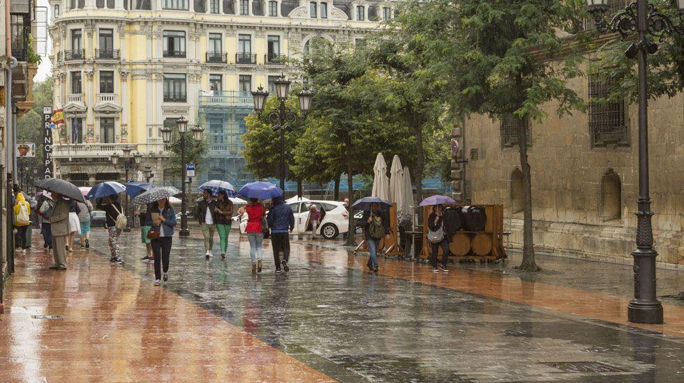 Centro de menores de Sograndio.Lluvia en Oviedo los días previos a San Mateo.