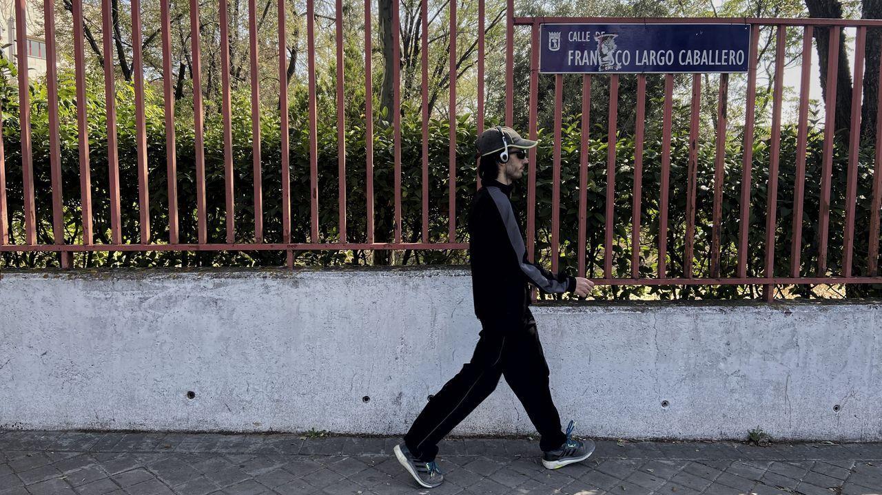 Placa de la calle Largo Caballero, en Madrid