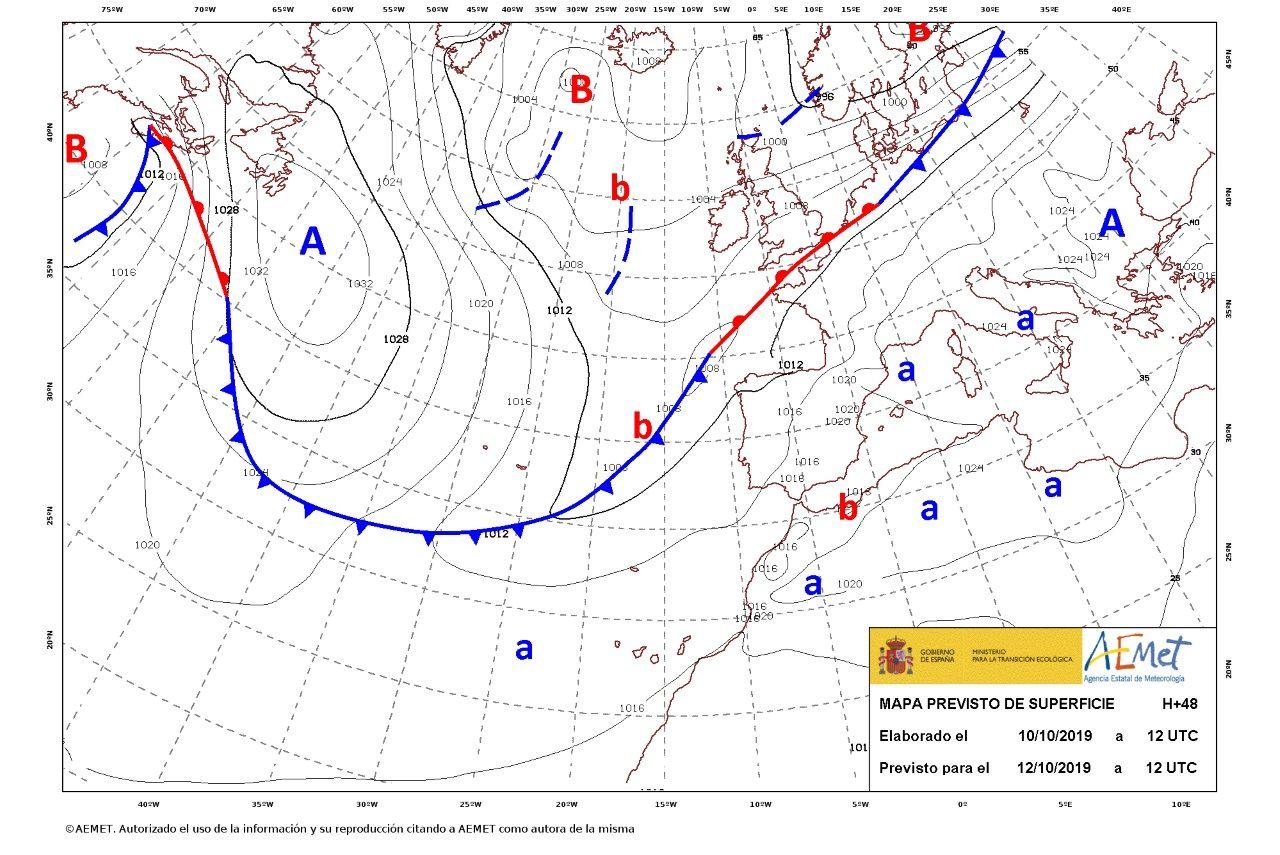 En el mapa se puede apreciar los diferentes frentes fríos y cálidos que se han unido para formar uno solo que une Escandinavia con Terranova