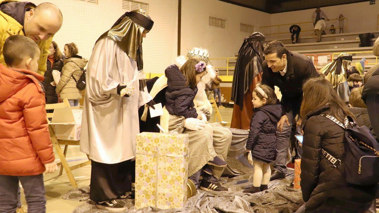El mercadillo dominical se celebró con normalidad en la villa noiesa