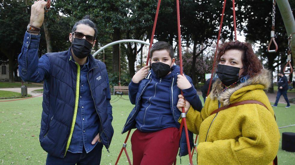 Juan Álvarez, Lois y Xandra Revenga cuentan su experiencia en la pandemia como familia con un hijo en primaria
