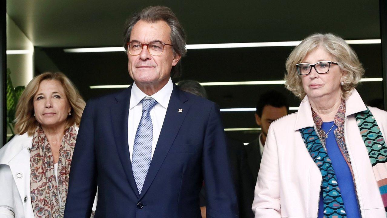 El expresidente Artur Mas con las exconsejeras Joana Ortega e Irene Rigau, en una imagen del  2018