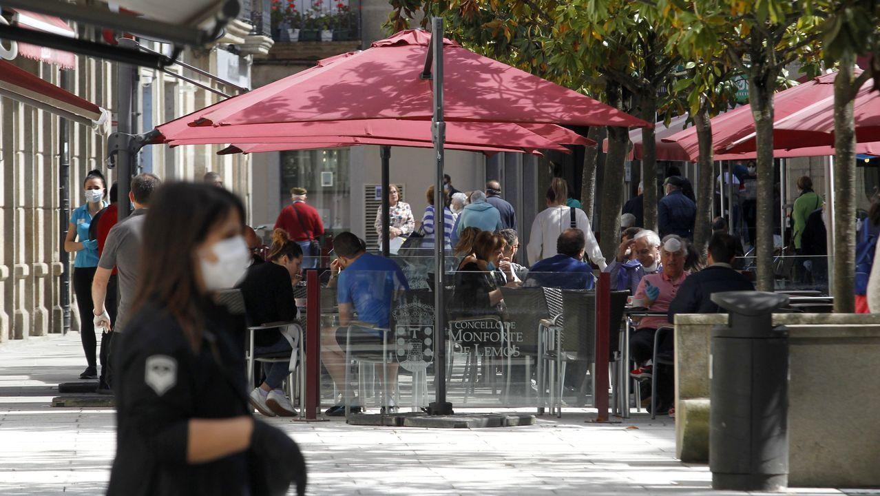 Terrazas abiertas este lunes en la calle Cardenal de Monforte