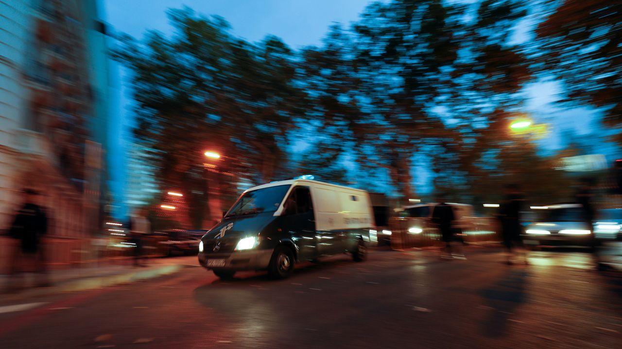 Un furgon de Policia trasportó a Junqueras y el resto de exconsejeros desde la Audiencia Nacional a las prisiones de Estremera y Alcalá-Meco.