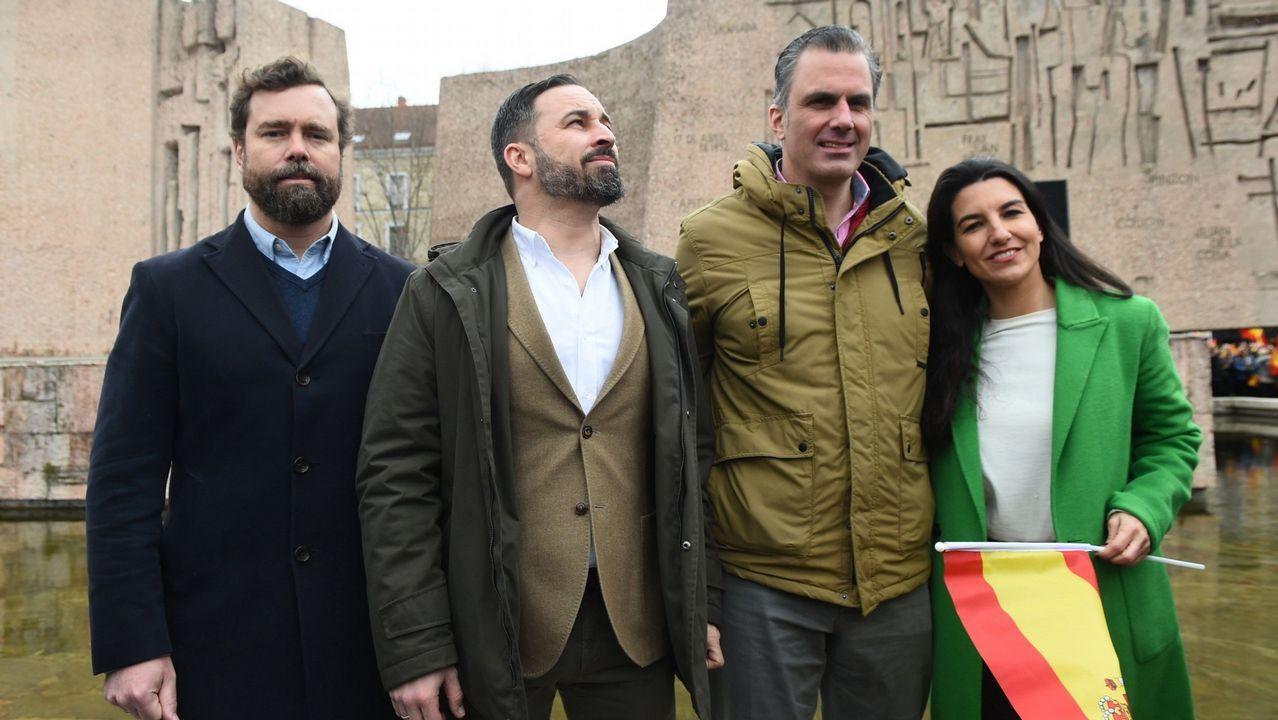 Pablo Iglesias alerta de los «poderosos» que mandan más que los ministros y que asegura van a por Podemos.Viviendas de lujo de la firma A-cero en la urbanización La Finca