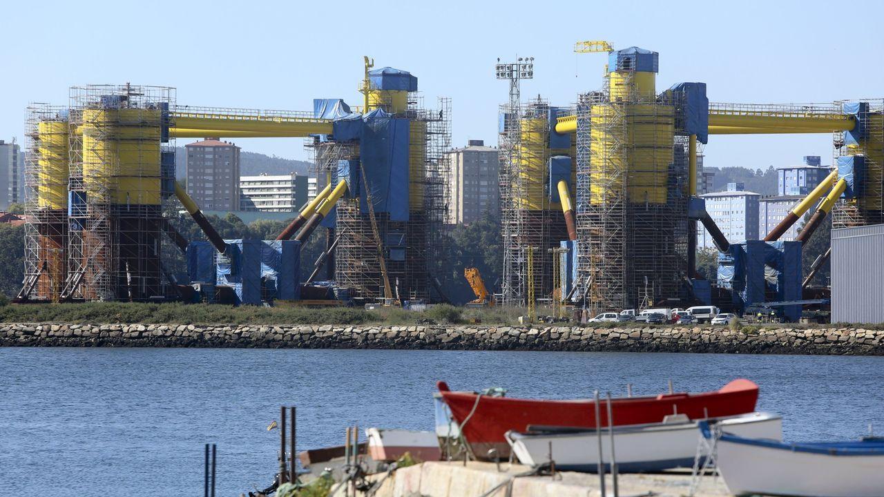 Estructuras de eólica marina en las instalaciones de Navantia Fene