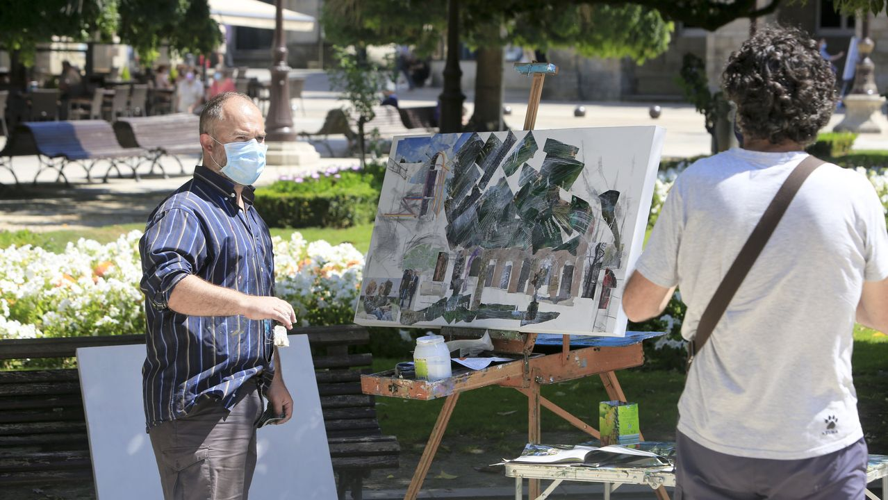 La plaza Maior se llenó de arte para acoger el XX Certame de Pintura Rápida Cidade de Lugo