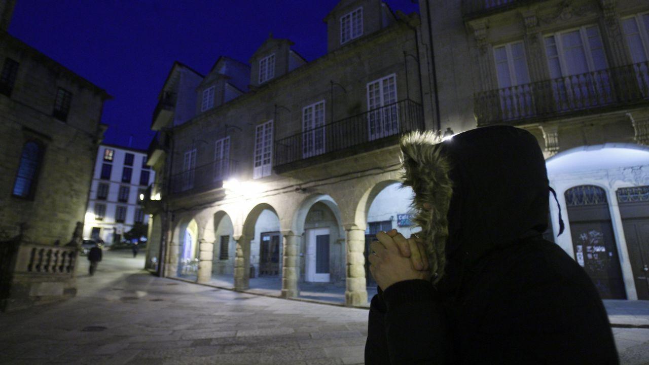 Visita de concejales del PSOE a la plaza de abastos de A Ponte