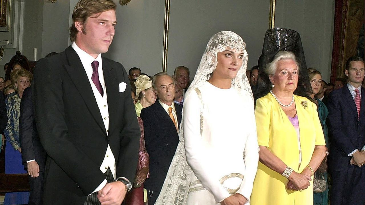 En la boda de su cuarto hijo, Beltrán Gómez Acebo, con la modelo gallega Laura Ponte en el año 2004