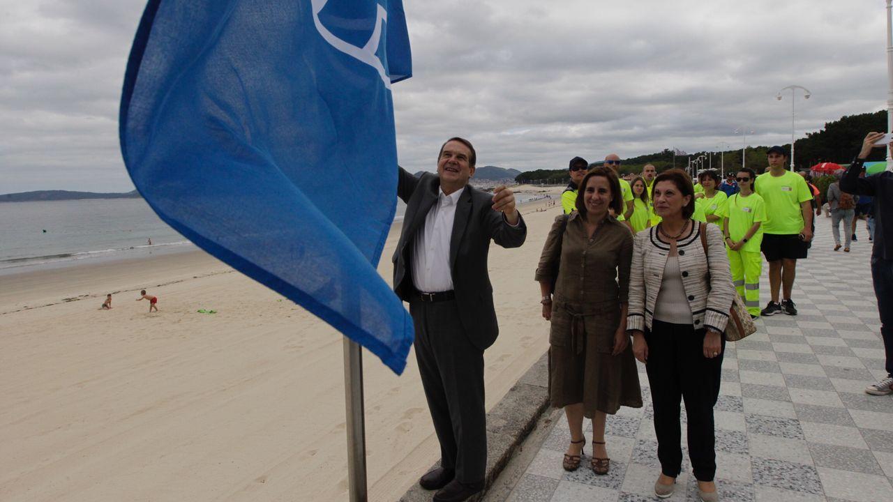 La bandera azul hondea ya en Samil